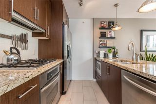 "Photo 11: 1606 1189 MELVILLE Street in Vancouver: Coal Harbour Condo for sale in ""THE MELVILLE"" (Vancouver West)  : MLS®# R2189344"