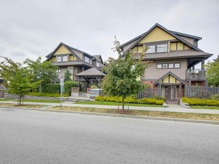 Photo 1: 106 7227 ROYAL OAK Avenue in Burnaby: Metrotown Townhouse for sale (Burnaby South)  : MLS®# R2198783