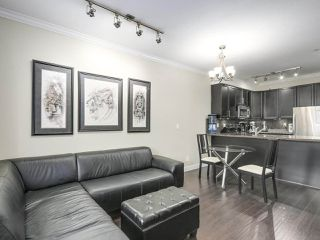 Photo 5: 106 7227 ROYAL OAK Avenue in Burnaby: Metrotown Townhouse for sale (Burnaby South)  : MLS®# R2198783