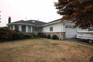 Photo 1: 32670 CHERRY Avenue in Mission: Mission BC House for sale : MLS®# R2203288