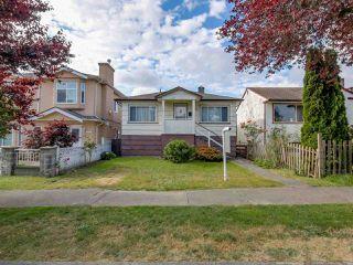 Photo 1: 3232 NAPIER STREET in Vancouver: Renfrew VE House for sale (Vancouver East)  : MLS®# R2072671