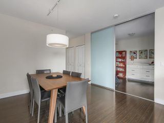 "Photo 11: 907 1833 CROWE Street in Vancouver: False Creek Condo for sale in ""The Foundry"" (Vancouver West)  : MLS®# R2212971"