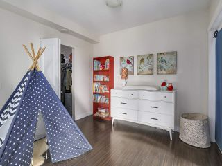 "Photo 12: 907 1833 CROWE Street in Vancouver: False Creek Condo for sale in ""The Foundry"" (Vancouver West)  : MLS®# R2212971"