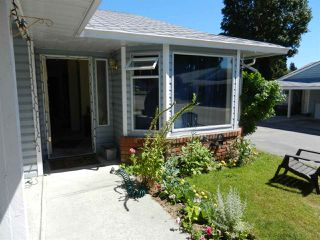 Main Photo: 7 824 NORTH Road in Gibsons: Gibsons & Area Townhouse for sale (Sunshine Coast)  : MLS®# R2216165
