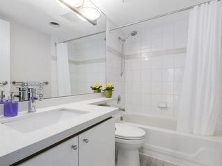 """Photo 13: 2305 930 CAMBIE Street in Vancouver: Yaletown Condo for sale in """"PACIFIC PLACE LANDMARK 2"""" (Vancouver West)  : MLS®# R2224236"""