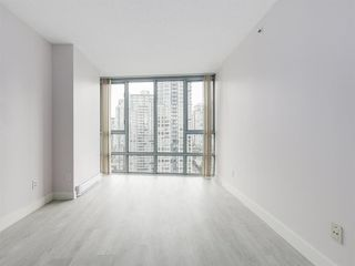 """Photo 11: 2305 930 CAMBIE Street in Vancouver: Yaletown Condo for sale in """"PACIFIC PLACE LANDMARK 2"""" (Vancouver West)  : MLS®# R2224236"""