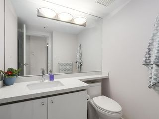 """Photo 14: 2305 930 CAMBIE Street in Vancouver: Yaletown Condo for sale in """"PACIFIC PLACE LANDMARK 2"""" (Vancouver West)  : MLS®# R2224236"""