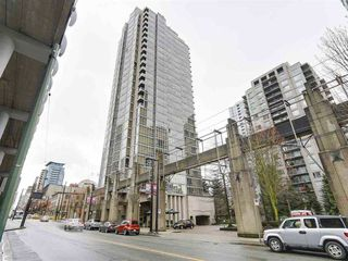 """Photo 2: 2305 930 CAMBIE Street in Vancouver: Yaletown Condo for sale in """"PACIFIC PLACE LANDMARK 2"""" (Vancouver West)  : MLS®# R2224236"""