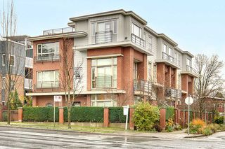 "Photo 1: 218 E 12TH Avenue in Vancouver: Mount Pleasant VE Townhouse for sale in ""DOMAIN"" (Vancouver East)  : MLS®# R2229708"