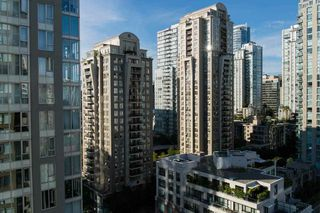 """Photo 8: 1701 1001 HOMER Street in Vancouver: Yaletown Condo for sale in """"THE BENTLEY"""" (Vancouver West)  : MLS®# R2243533"""