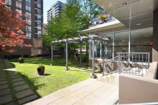 """Photo 13: 1701 1001 HOMER Street in Vancouver: Yaletown Condo for sale in """"THE BENTLEY"""" (Vancouver West)  : MLS®# R2243533"""