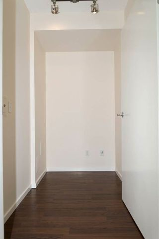 """Photo 7: 1701 1001 HOMER Street in Vancouver: Yaletown Condo for sale in """"THE BENTLEY"""" (Vancouver West)  : MLS®# R2243533"""