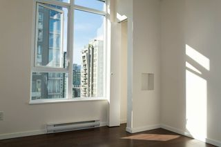 """Photo 6: 1701 1001 HOMER Street in Vancouver: Yaletown Condo for sale in """"THE BENTLEY"""" (Vancouver West)  : MLS®# R2243533"""