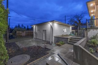 Photo 19: 2333 JONES Avenue in North Vancouver: Central Lonsdale House for sale : MLS®# R2260714