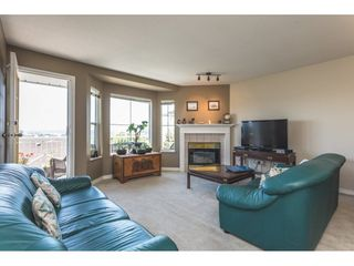 "Photo 3: 29 1973 WINFIELD Drive in Abbotsford: Abbotsford East Townhouse for sale in ""Belmont Ridge"" : MLS®# R2280977"