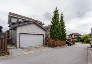 "Photo 37: 16419 59A Avenue in Surrey: Cloverdale BC House for sale in ""West Cloverdale"" (Cloverdale)  : MLS®# R2294342"