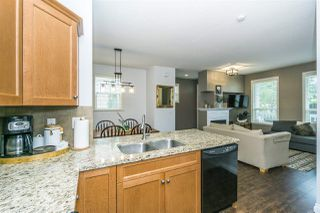 """Photo 9: 2 18011 70 Avenue in Surrey: Cloverdale BC Townhouse for sale in """"Provinceton"""" (Cloverdale)  : MLS®# R2297398"""