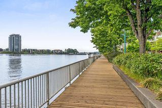 "Photo 16: 605 1045 QUAYSIDE Drive in New Westminster: Quay Condo for sale in ""Quayside Tower 1"" : MLS®# R2306018"