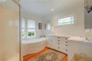 Photo 13: 1007 St. Louis Street in VICTORIA: OB South Oak Bay Single Family Detached for sale (Oak Bay)  : MLS®# 399691
