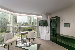 "Photo 3: 804 1050 BURRARD Street in Vancouver: Downtown VW Condo for sale in ""WALL CENTRE"" (Vancouver West)  : MLS®# R2309129"
