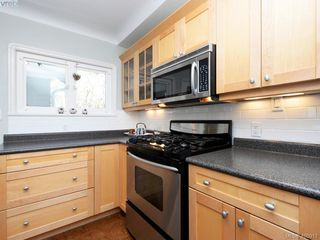 Photo 8: 1248 Topaz Avenue in VICTORIA: Vi Mayfair Single Family Detached for sale (Victoria)  : MLS®# 400917