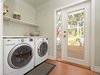 Photo 17: 1248 Topaz Avenue in VICTORIA: Vi Mayfair Single Family Detached for sale (Victoria)  : MLS®# 400917