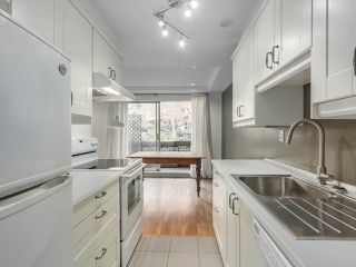 """Photo 14: 1203 555 W 28TH Street in North Vancouver: Upper Lonsdale Townhouse for sale in """"CEDAR BROOK VILLAGE"""" : MLS®# R2324026"""