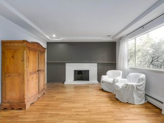 """Photo 6: 1203 555 W 28TH Street in North Vancouver: Upper Lonsdale Townhouse for sale in """"CEDAR BROOK VILLAGE"""" : MLS®# R2324026"""