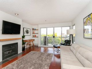 "Main Photo: 204 1963 W 3RD Avenue in Vancouver: Kitsilano Condo for sale in ""La Mirada"" (Vancouver West)  : MLS®# R2332856"