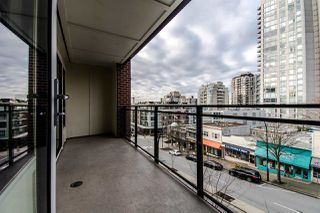 "Photo 16: 310 111 E 3RD Street in North Vancouver: Lower Lonsdale Condo for sale in ""THE VERSATILE"" : MLS®# R2333960"
