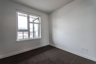 "Photo 13: 310 111 E 3RD Street in North Vancouver: Lower Lonsdale Condo for sale in ""THE VERSATILE"" : MLS®# R2333960"