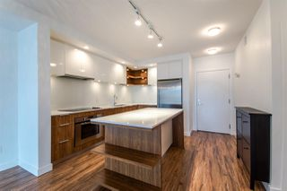 "Photo 3: 310 111 E 3RD Street in North Vancouver: Lower Lonsdale Condo for sale in ""THE VERSATILE"" : MLS®# R2333960"