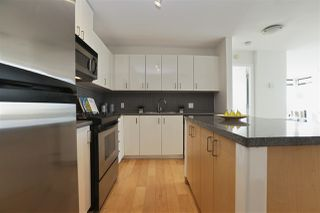 "Photo 14: 604 155 W 1ST Street in North Vancouver: Lower Lonsdale Condo for sale in ""TIME"" : MLS®# R2335827"