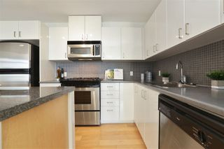 "Photo 12: 604 155 W 1ST Street in North Vancouver: Lower Lonsdale Condo for sale in ""TIME"" : MLS®# R2335827"