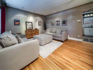 Photo 2: 8612 79 Street in Edmonton: Zone 18 House for sale : MLS®# E4147198