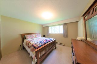 Photo 11: 24039 ROBERTSON Crescent in Langley: Salmon River House for sale : MLS®# R2348566