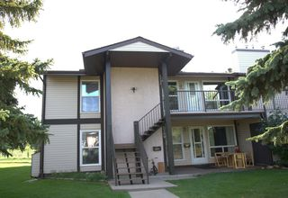 Photo 1: 2111 SADDLEBACK Road in Edmonton: Zone 16 Carriage for sale : MLS®# E4151028