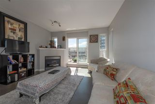 "Photo 4: 305 3939 HASTINGS Street in Burnaby: Vancouver Heights Condo for sale in ""THE SIENNA"" (Burnaby North)  : MLS®# R2359250"