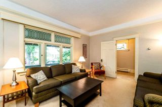 Photo 3: 737 W 26 Avenue in Vancouver: Cambie House for sale (Vancouver West)  : MLS®# R2364784