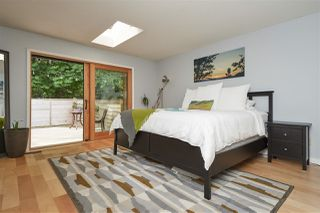 """Photo 15: 2107 126 Street in Surrey: Crescent Bch Ocean Pk. House for sale in """"Ocean Cliff"""" (South Surrey White Rock)  : MLS®# R2376006"""