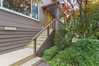 Photo 2: 2835 STEPHENS Street in Vancouver: Kitsilano House for sale (Vancouver West)  : MLS®# R2376938