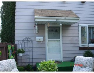 Photo 2: 2C CALLINGWOOD Court in Edmonton: Zone 20 Townhouse for sale : MLS®# E4161382