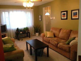 Photo 3: 2C CALLINGWOOD Court in Edmonton: Zone 20 Townhouse for sale : MLS®# E4161382