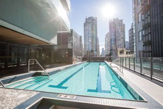 "Photo 4: 2306 777 RICHARDS Street in Vancouver: Downtown VW Condo for sale in ""TELUS GARDEN"" (Vancouver West)  : MLS®# R2384368"