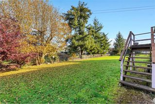Photo 20: 4335 Savoy Place in VICTORIA: SW Royal Oak Single Family Detached for sale (Saanich West)  : MLS®# 417640