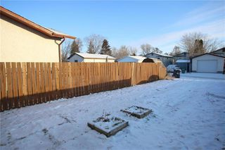 Photo 12: 928 Greencrest Avenue in Winnipeg: Fort Richmond Residential for sale (1K)  : MLS®# 202001645
