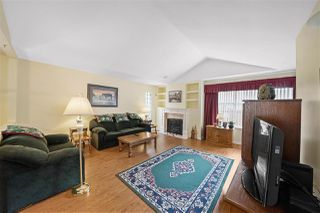 """Photo 3: 104 10172 141 Street in Surrey: Whalley Townhouse for sale in """"Camberly Green"""" (North Surrey)  : MLS®# R2475447"""