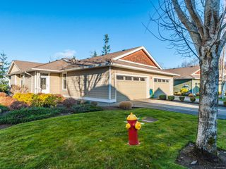 Photo 1: 6162 Arlin Pl in : Na North Nanaimo Row/Townhouse for sale (Nanaimo)  : MLS®# 861346