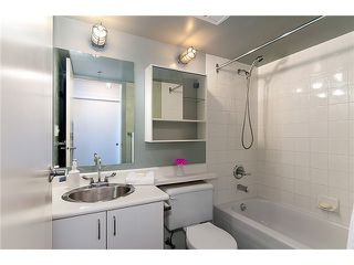 """Photo 5: 422 289 ALEXANDER Street in Vancouver: Hastings Condo for sale in """"THE EDGE"""" (Vancouver East)  : MLS®# V890176"""