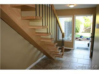 Photo 2: D 3056 Washington Avenue in VICTORIA: Vi Burnside Townhouse for sale (Victoria)  : MLS®# 299056